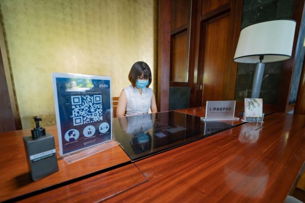 https://i.travelapi.com/hotels/3000000/2680000/2674300/2674261/62da314d_z.jpg