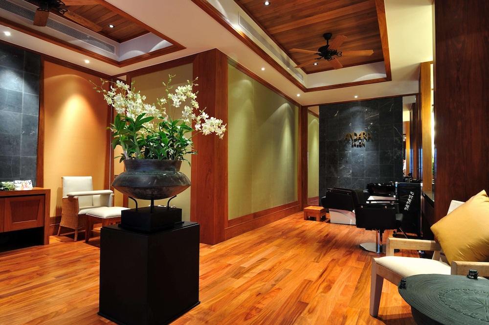https://i.travelapi.com/hotels/3000000/2680000/2674300/2674261/846c2539_z.jpg