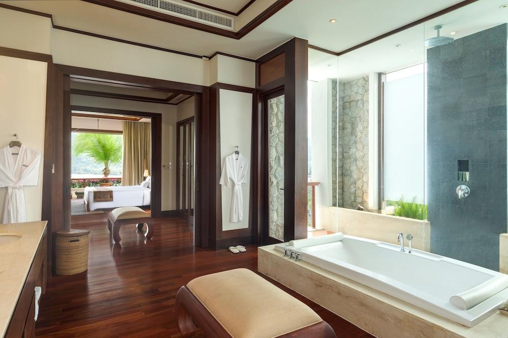 https://i.travelapi.com/hotels/3000000/2680000/2674300/2674261/9a84fea9_z.jpg