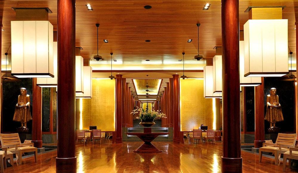 https://i.travelapi.com/hotels/3000000/2680000/2674300/2674261/9ce24fab_z.jpg