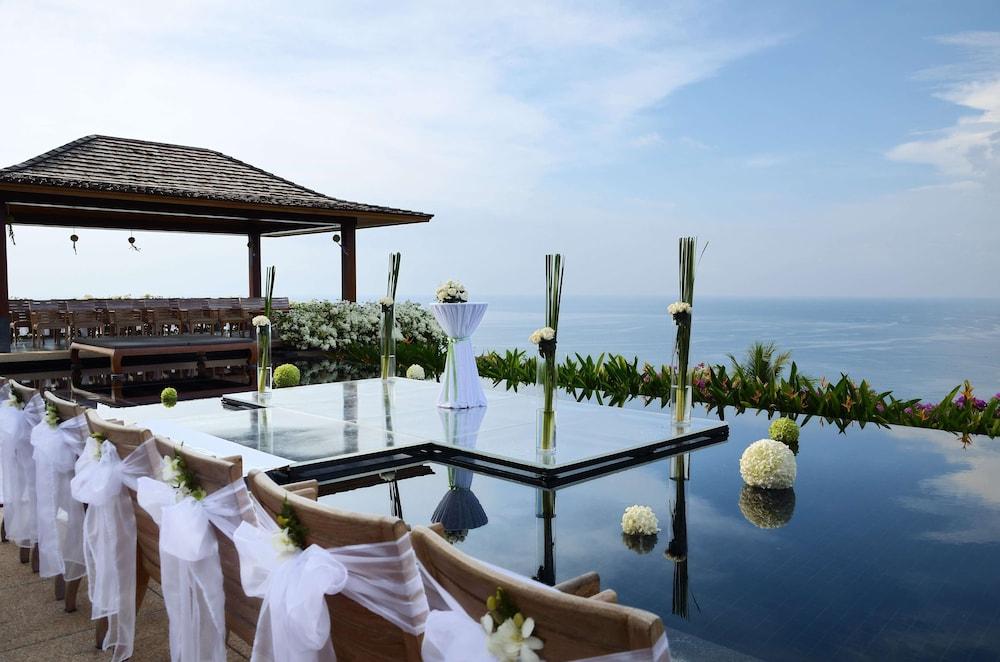 https://i.travelapi.com/hotels/3000000/2680000/2674300/2674261/b8981819_z.jpg