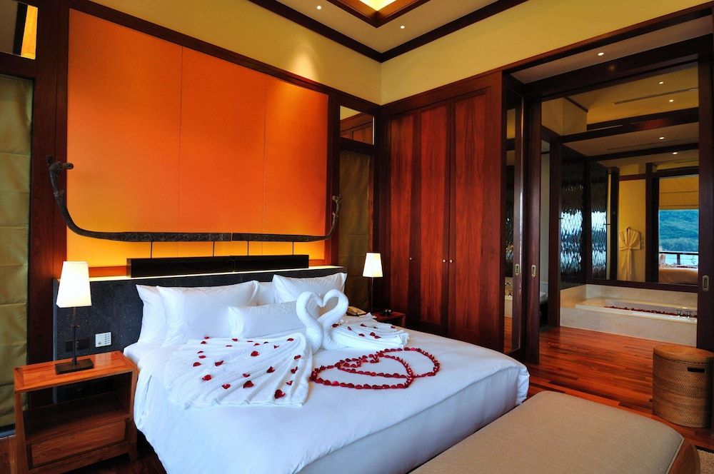 https://i.travelapi.com/hotels/3000000/2680000/2674300/2674261/bfa3690d_z.jpg