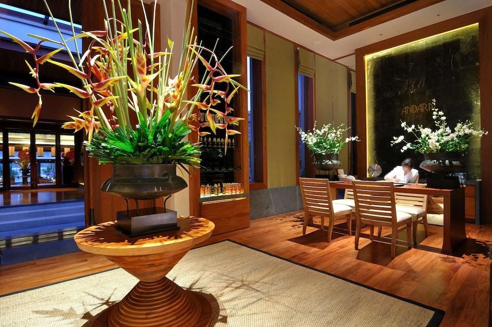 https://i.travelapi.com/hotels/3000000/2680000/2674300/2674261/d50f24e9_z.jpg
