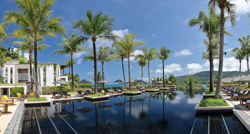 https://i.travelapi.com/hotels/3000000/2680000/2674300/2674261/e5f06066_z.jpg