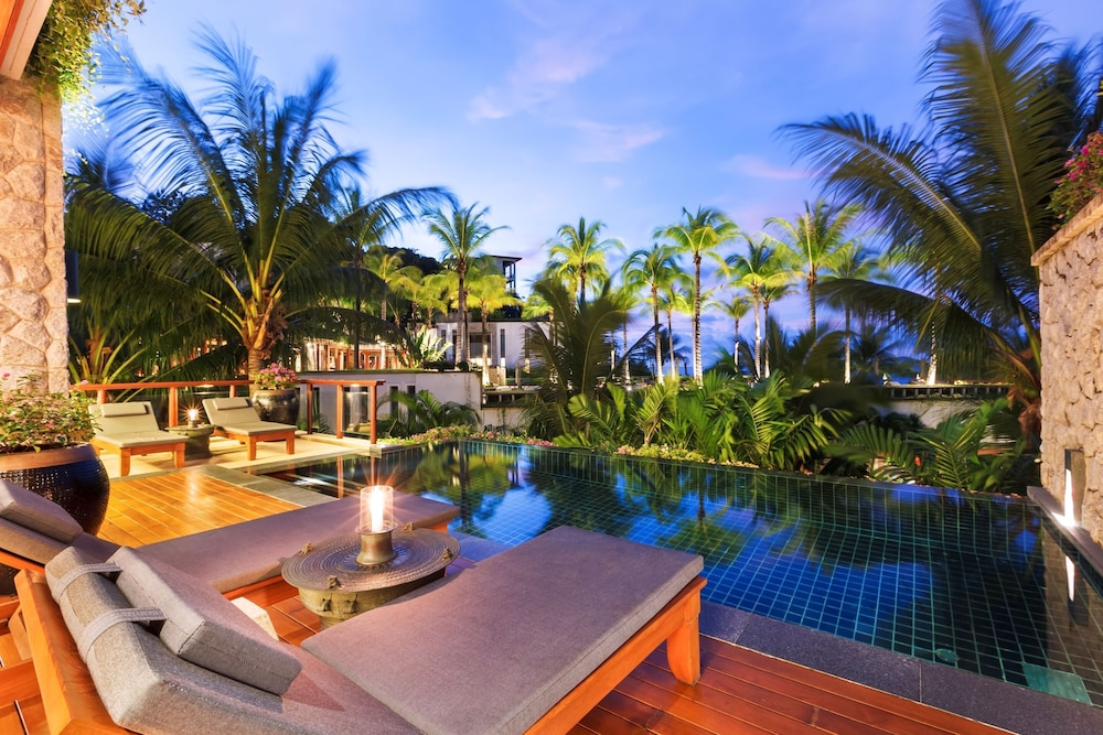https://i.travelapi.com/hotels/3000000/2680000/2674300/2674261/eb98bd21_z.jpg