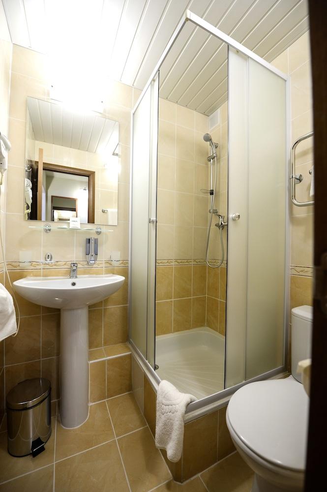 그랜드 호텔 오카 비지니스(Grand Hotel OKA BUSINESS) Hotel Image 77 - Bathroom