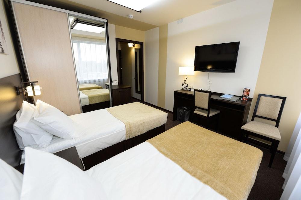 그랜드 호텔 오카 비지니스(Grand Hotel OKA BUSINESS) Hotel Image 7 - Guestroom