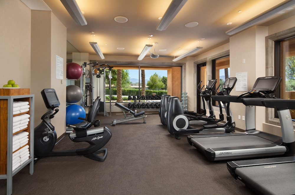 Health and Fitness : Fitness Facility 14 of 69