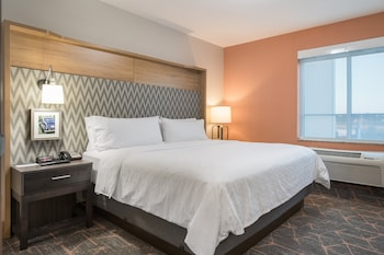 Standard Room, 1 King Bed, Accessible (Communication, Accessible Tub)