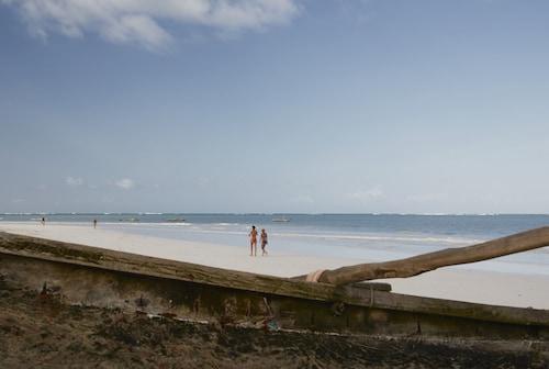 Neptune Village Beach Resort & Spa All Inclusive, Msambweni