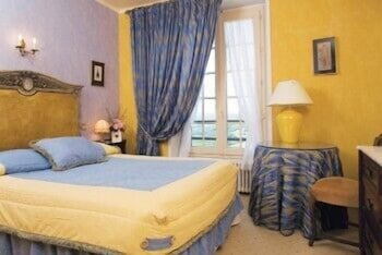 Superior Room, 1 King Bed, River View (Dordogne View)