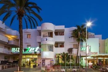 Jet Apartments Ibiza, hotel en Playa d'en Bossa - Viajes ...