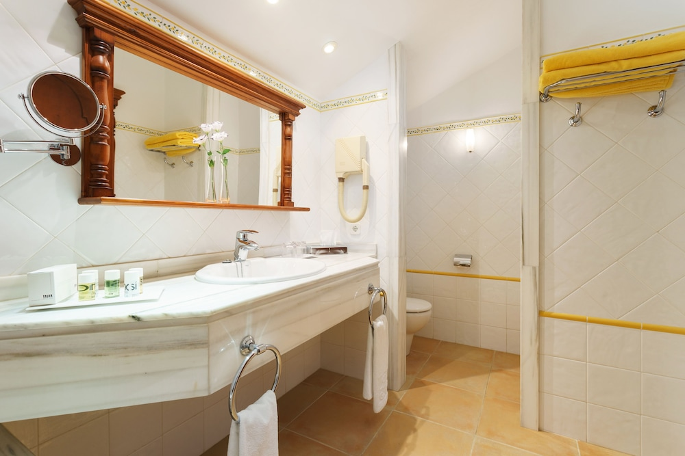 호텔 라 모랄레하(Boutique Hotel La Moraleja - Adults Only) Hotel Image 38 - Bathroom