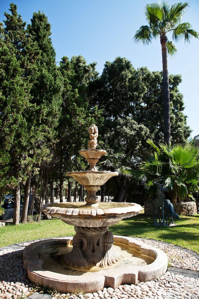 호텔 라 모랄레하(Boutique Hotel La Moraleja - Adults Only) Hotel Image 100 - Fountain