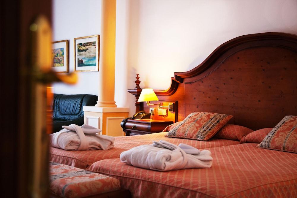 호텔 라 모랄레하(Boutique Hotel La Moraleja - Adults Only) Hotel Image 5 - Guestroom