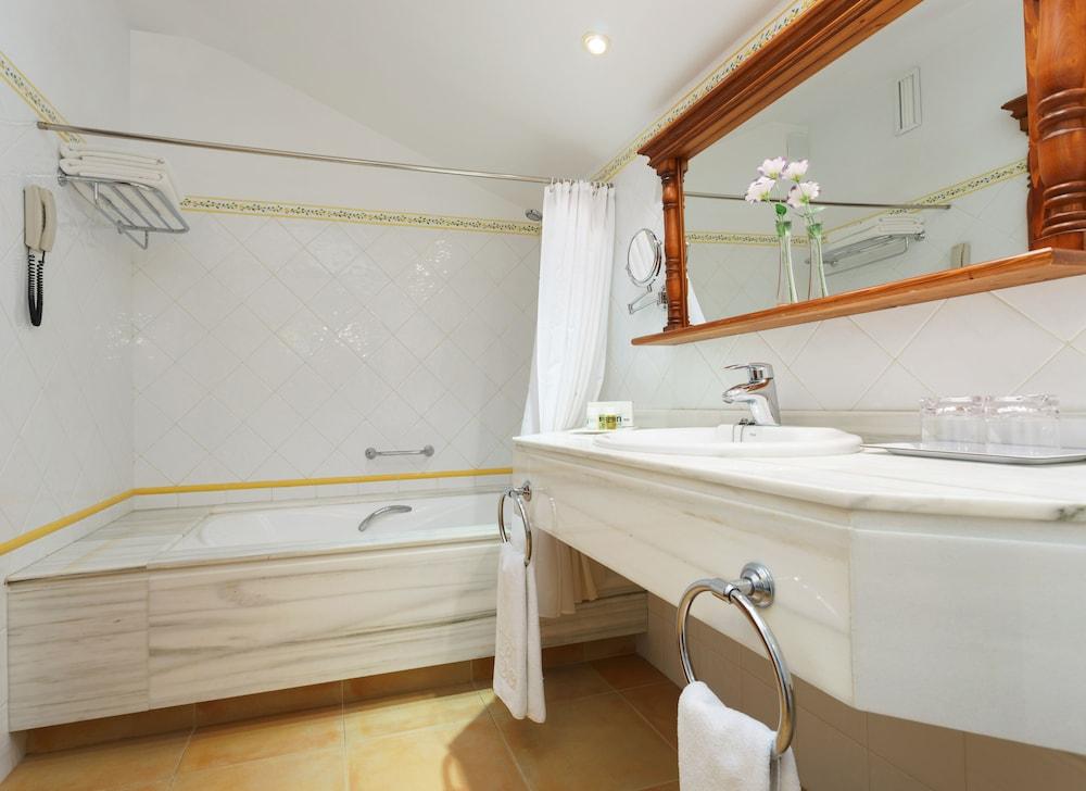호텔 라 모랄레하(Boutique Hotel La Moraleja - Adults Only) Hotel Image 42 - Bathroom