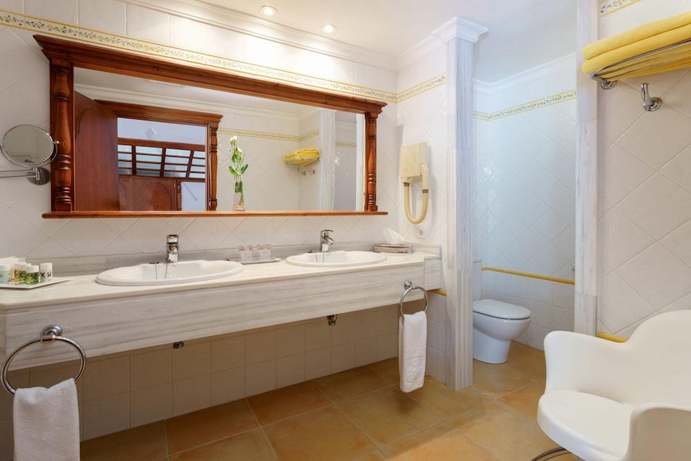 호텔 라 모랄레하(Boutique Hotel La Moraleja - Adults Only) Hotel Image 43 - Bathroom