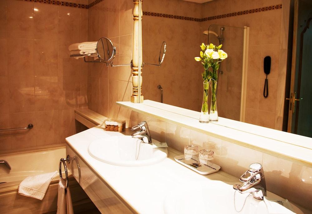 호텔 라 모랄레하(Boutique Hotel La Moraleja - Adults Only) Hotel Image 49 - Bathroom