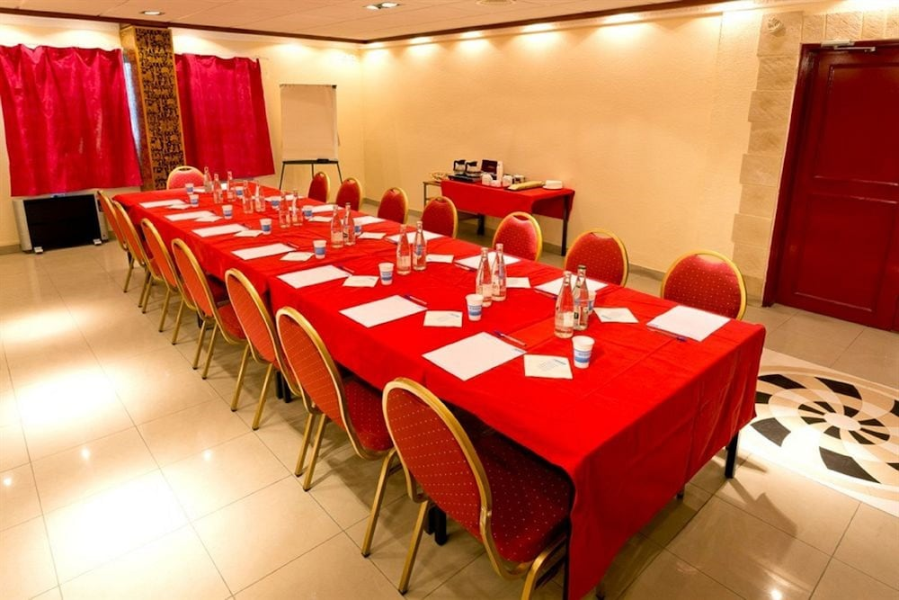 히포텔 파리 이포드롬(Hipotel Paris Hippodrome) Hotel Image 16 - Meeting Facility