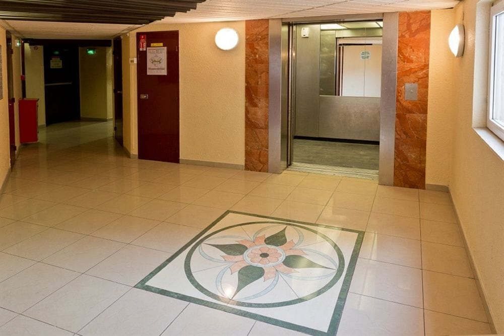 히포텔 파리 이포드롬(Hipotel Paris Hippodrome) Hotel Image 11 - Interior Entrance