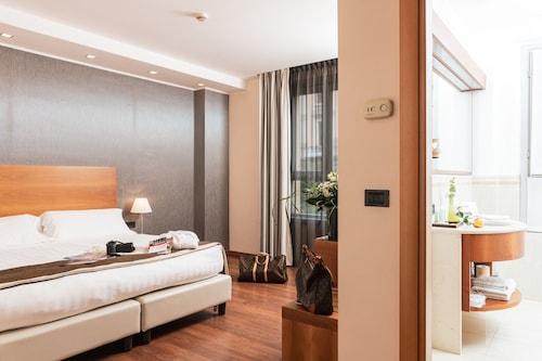 . Hotel Royal Falcone