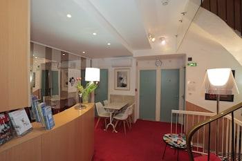 Hotel - Azurene Royal Hotel