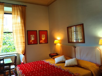 Classic Double or Twin Room, extra bed available