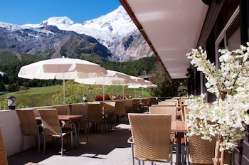 Panoramic Suite, 2 Bedrooms, Balcony, Mountain View (only for 2 Adults + 2-4 Children)