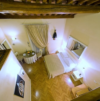 Deluxe Apartment with Fiesole's Hills View for 4 people
