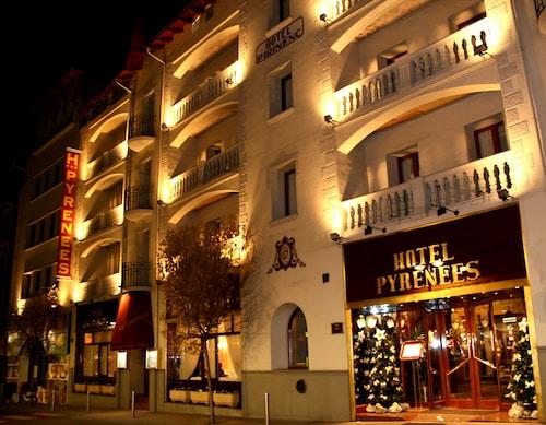 . Hotel Pyrénées
