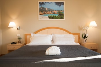 Classic Twin Room, 1 Double or 2 Twin Beds, Garden View
