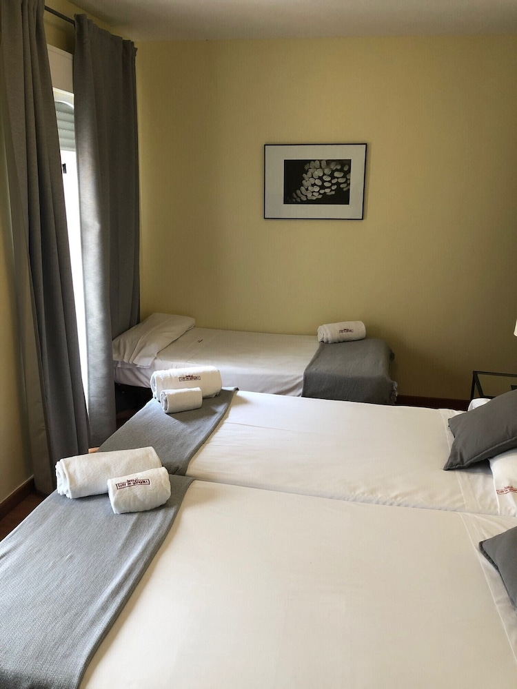 https://i.travelapi.com/hotels/3000000/2700000/2691100/2691086/5b1f2aad_z.jpg