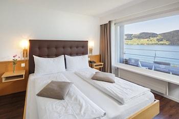 Panoramic Tek Büyük Veya İki Ayrı Yataklı Oda, Balkon, Göl Manzaralı