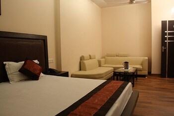 호텔 아프라 인터내셔널(Hotel Apra International) Hotel Image 12 - Guestroom