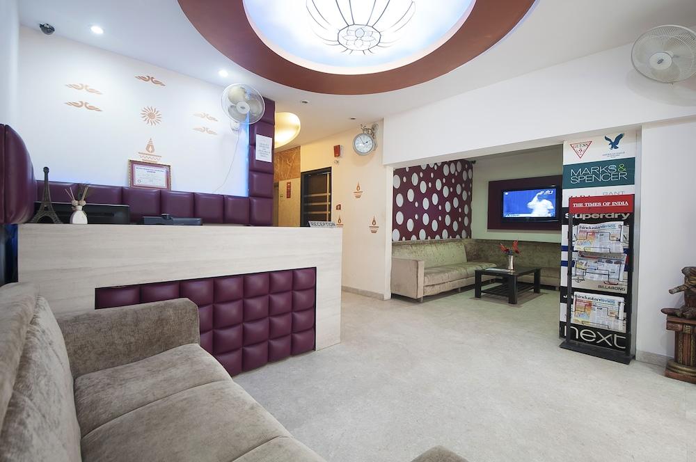 호텔 아프라 인터내셔널(Hotel Apra International) Hotel Image 2 - Reception