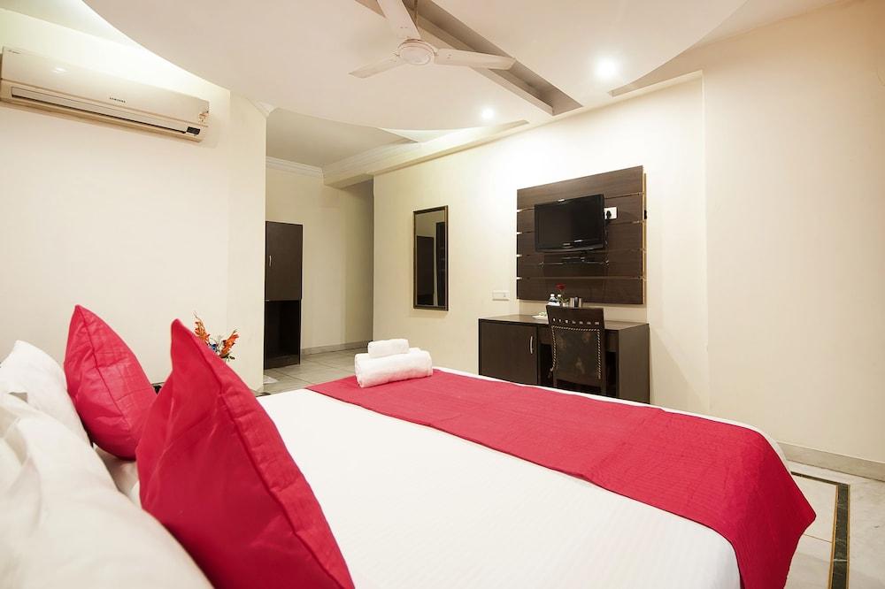 호텔 아프라 인터내셔널(Hotel Apra International) Hotel Image 30 - Guestroom View