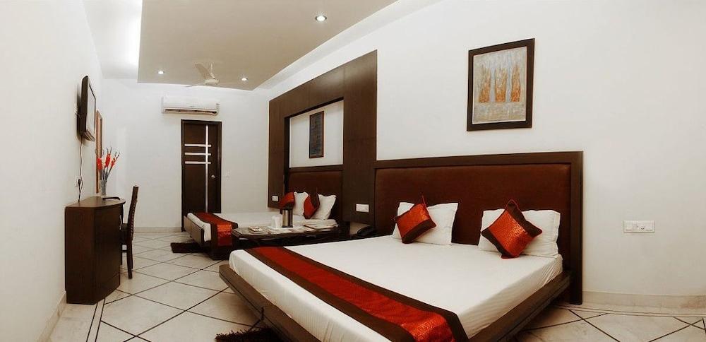 호텔 아프라 인터내셔널(Hotel Apra International) Hotel Image 7 - Guestroom