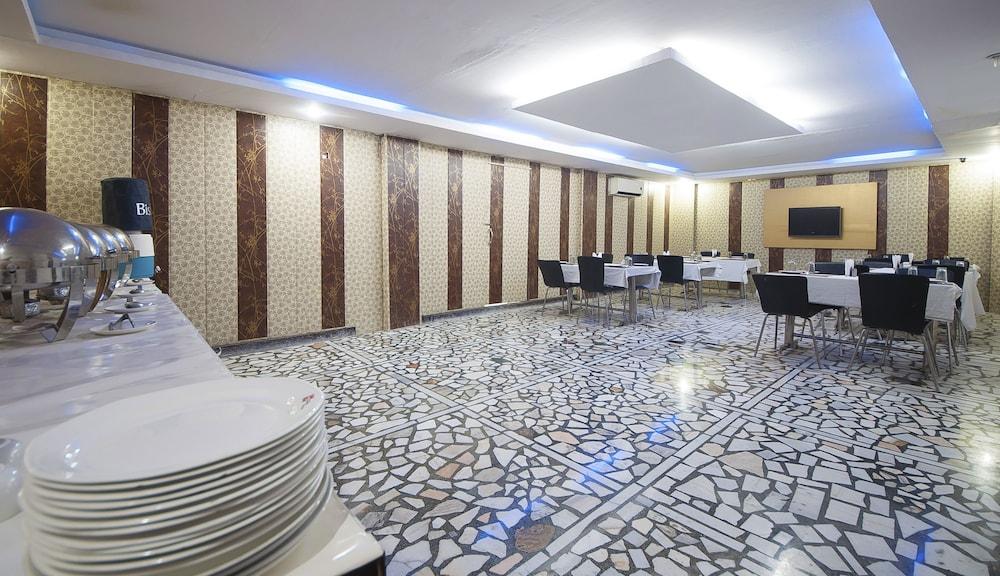 호텔 아프라 인터내셔널(Hotel Apra International) Hotel Image 51 - Buffet