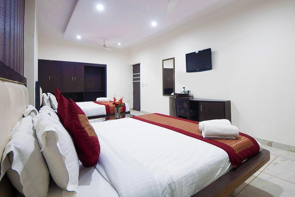 호텔 아프라 인터내셔널(Hotel Apra International) Hotel Image 34 - Guestroom View