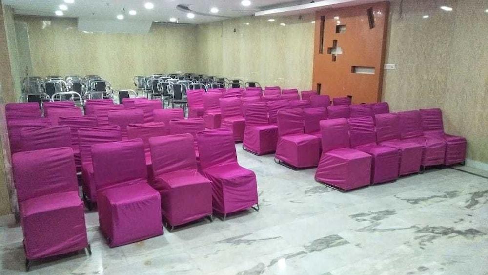 호텔 아프라 인터내셔널(Hotel Apra International) Hotel Image 61 - Meeting Facility