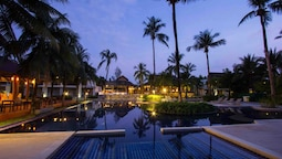 Palm Galleria Resort
