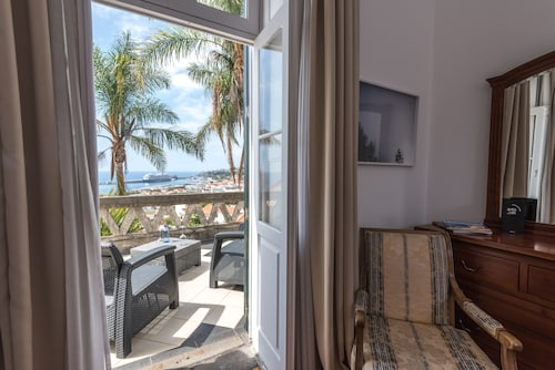 Arts In Hotel Conde Carvalhal, Funchal