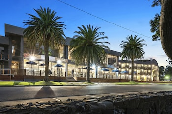 北碼頭飯店 North Pier Hotel