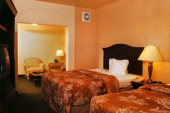 Standard Suite, 2 Queen Beds