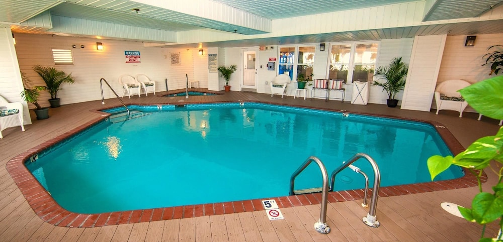 아일랜더 인(The Islander Inn) Hotel Image 17 - Indoor Pool