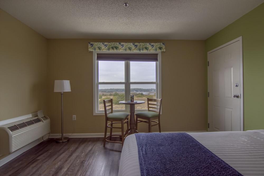 아일랜더 인(The Islander Inn) Hotel Image 19 - In-Room Dining