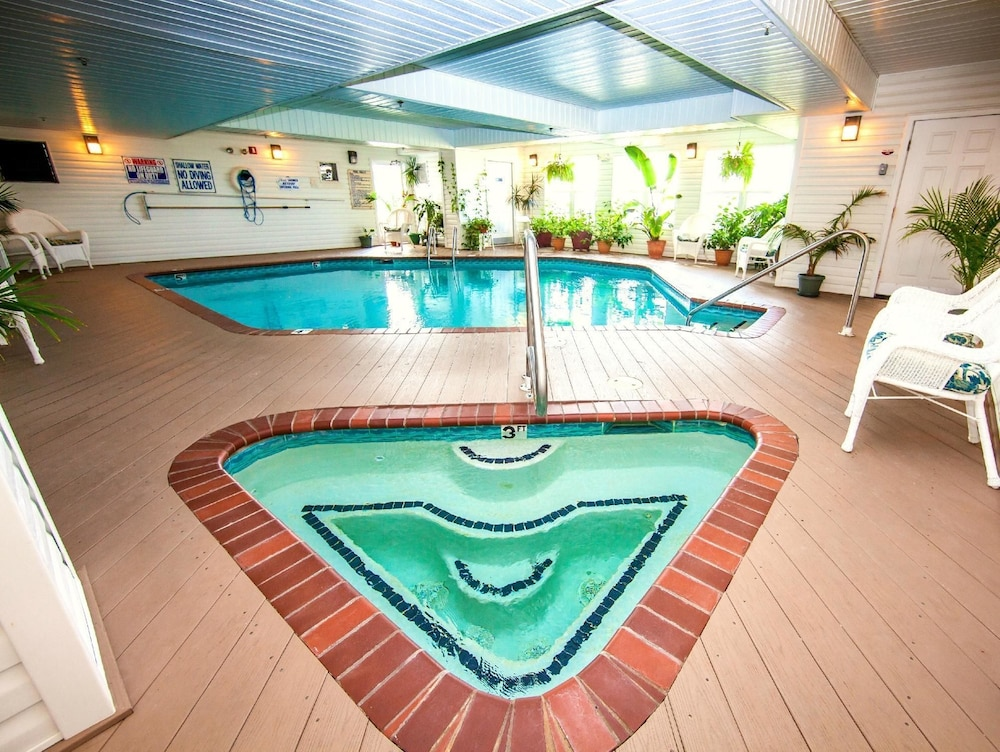 아일랜더 인(The Islander Inn) Hotel Image 16 - Indoor Pool