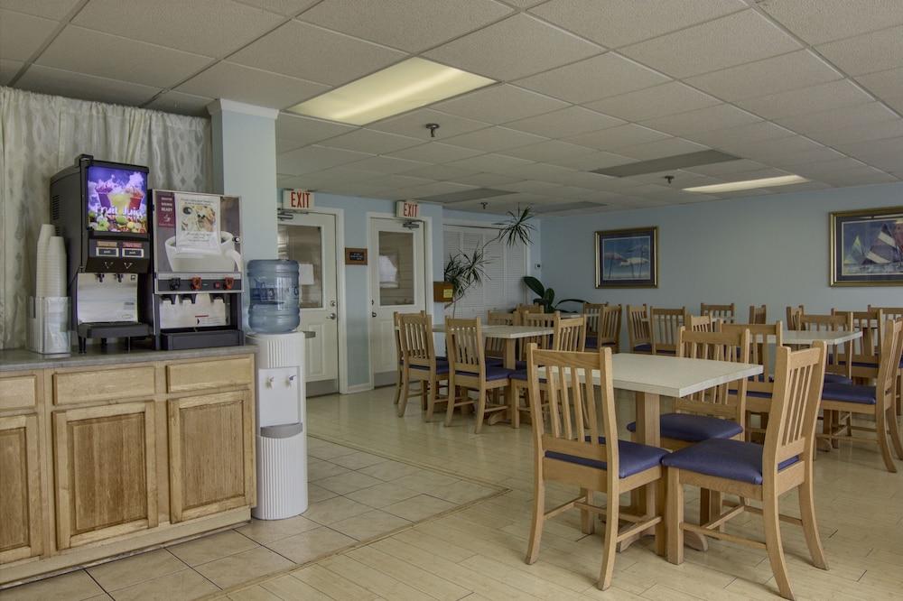 아일랜더 인(The Islander Inn) Hotel Image 46 - Breakfast Area