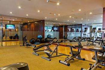 Oakwood Premier Joy Nostalg Center Manila Gym
