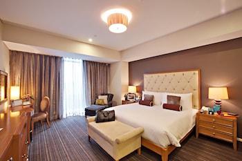 Oakwood Premier Joy Nostalg Center Manila Room